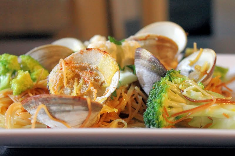 Capellini with Clams and Saffron