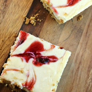 Plum-Swirled Cheesecake Bars