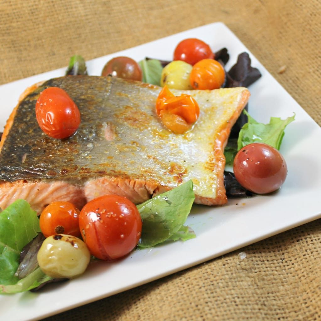 Salmon Salad with Roasted Tomatoes