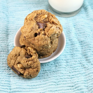 Vegan Chocolate Chip Walnut Cookies