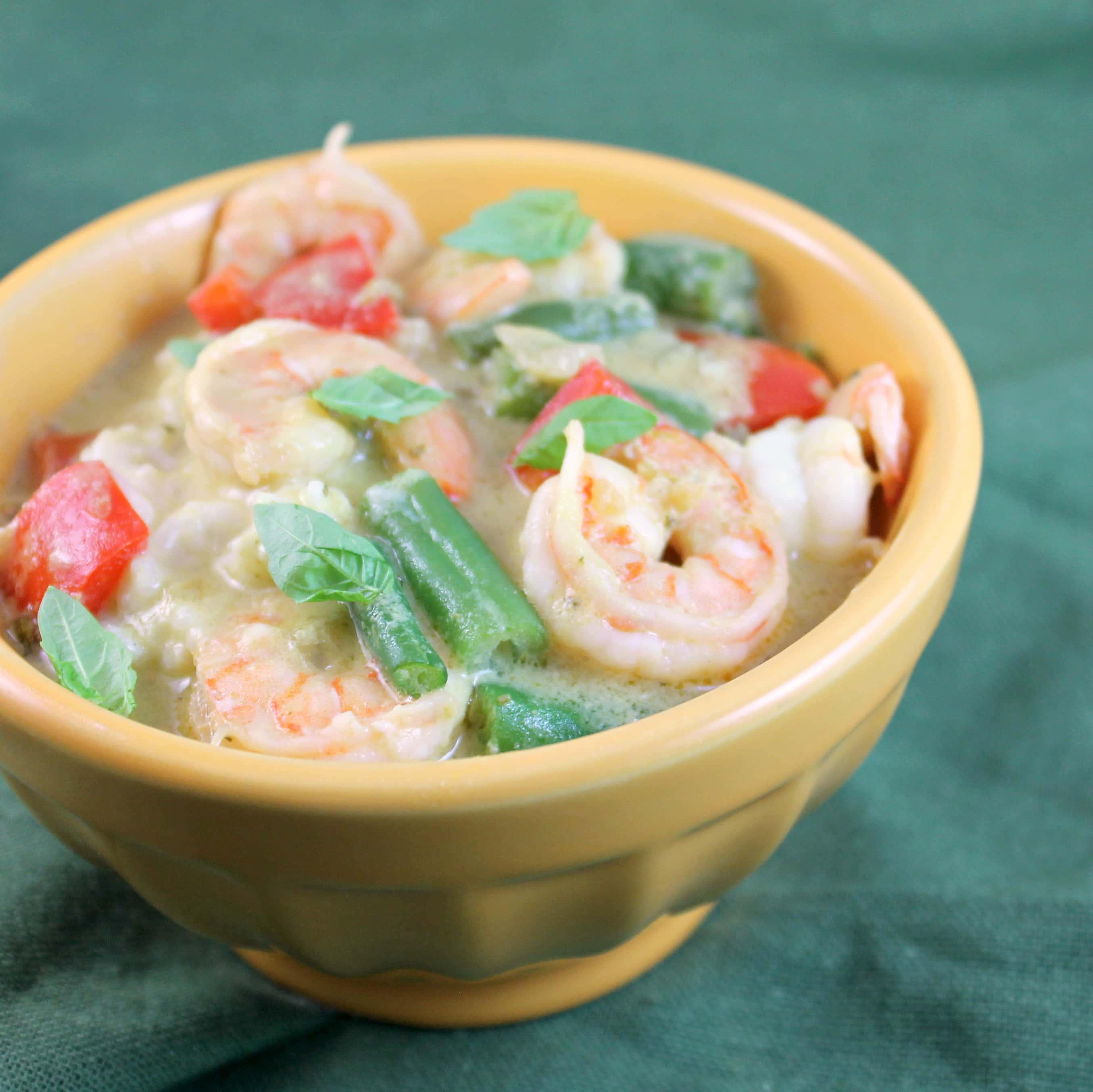 Thai Green Curry Shrimp w/ Red Peppers & Green Beans over Coconut Rice ...