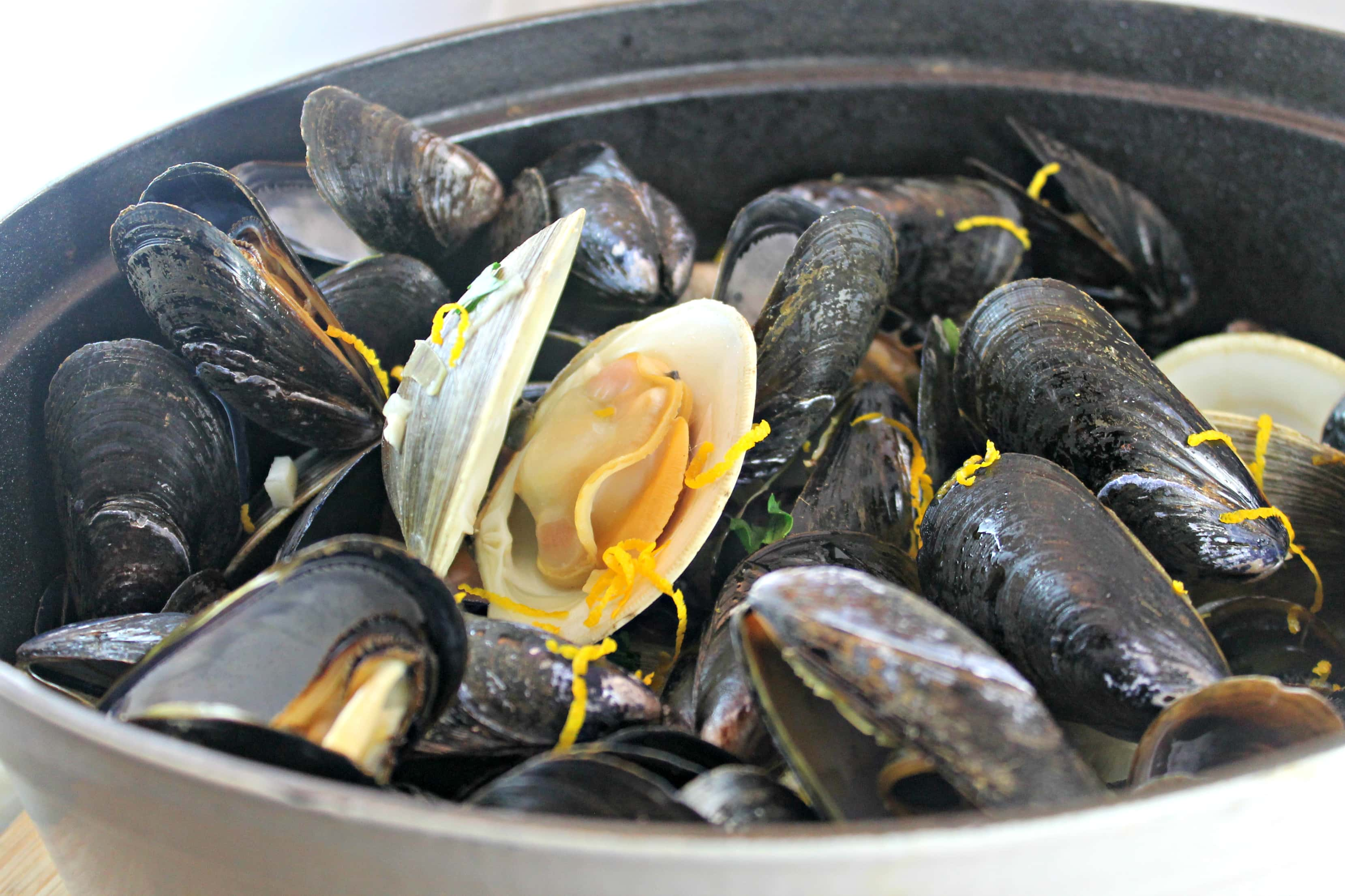 so I gravitated towards the recipe for Beer-Steams Clams and Mussels ...