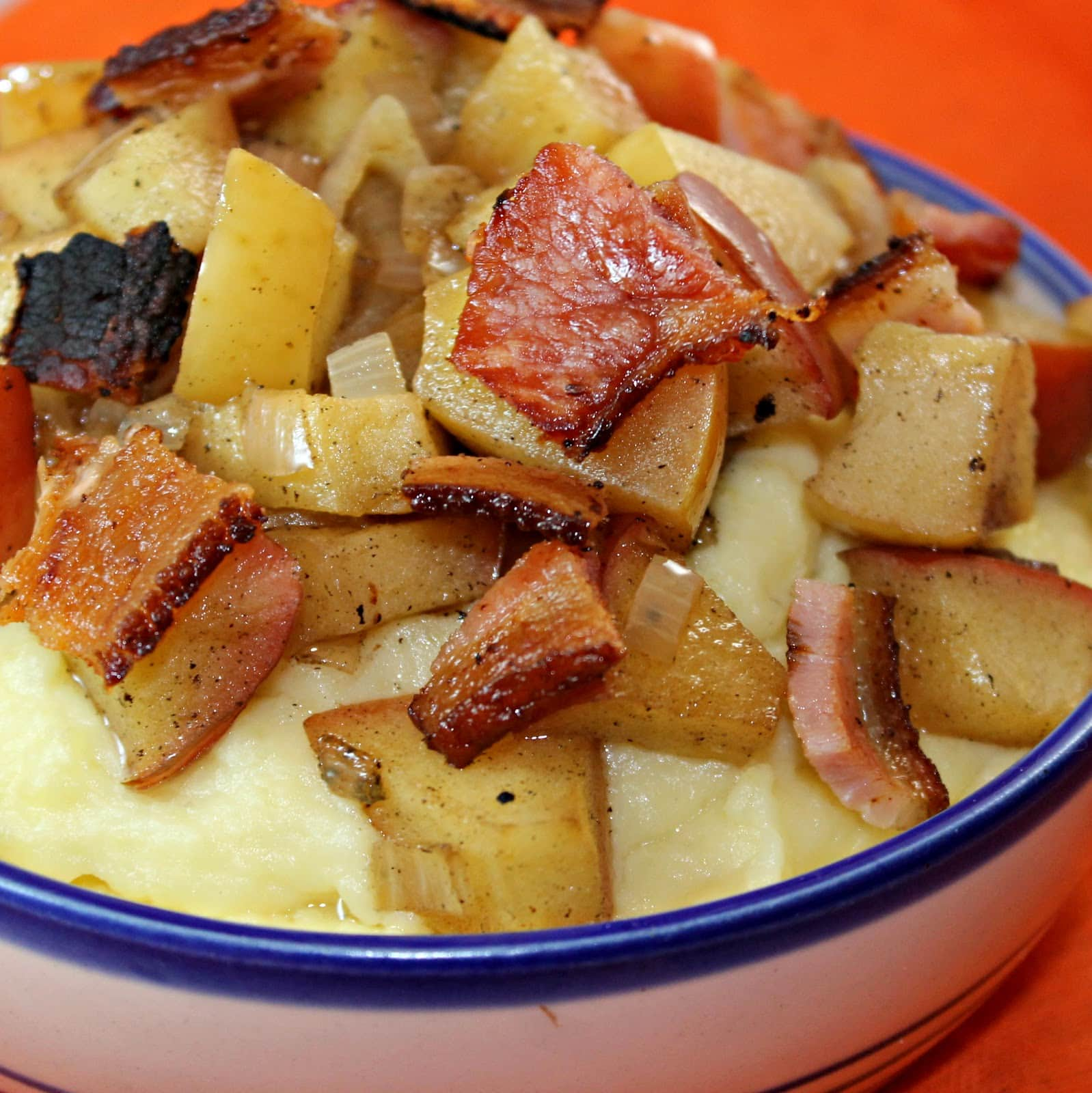 Horseradish Cheddar Mashed Potatoes with Bacon and Apples
